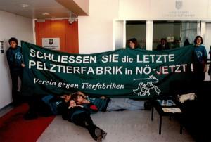 1998-02-10-buerobesetzung-proell-pelz-05