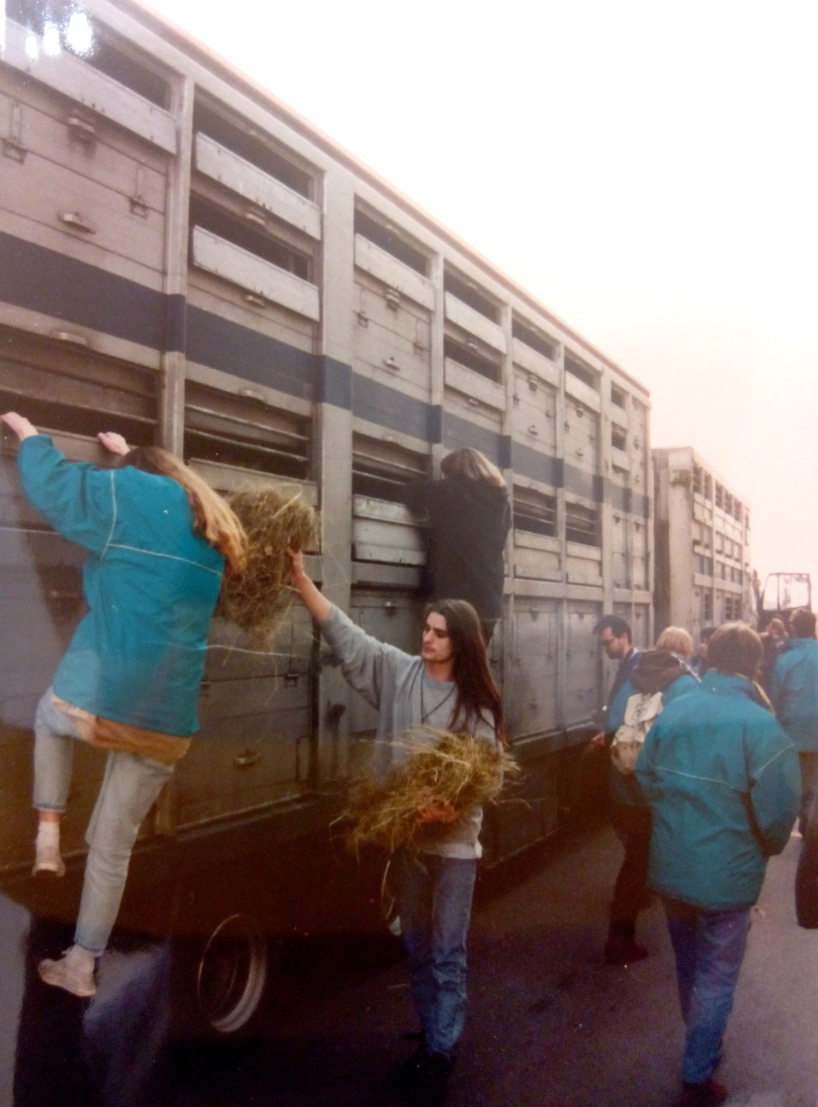 1996-02-17-tiertransport-blockade-triest-07