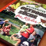 """Buchrezension: """"Wildkräuter Outdoor Küche für Kinder"""", Freya Verlag"""